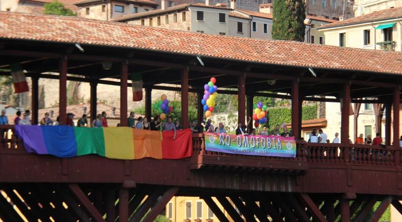 Un ponte per la comunità LGBTI