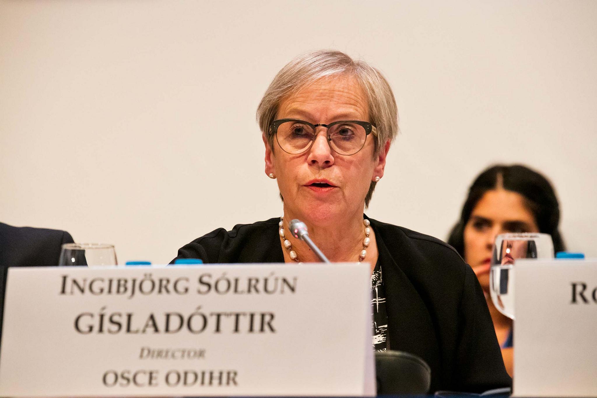 Ingibjorg Solrun Gisladottir, Direttrice ODIHR - via Osce Pa (CC BY-SA 2.0).