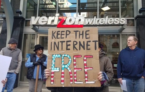 Gli USA aboliscono la net neutrality: servizi veloci solo per chi paga