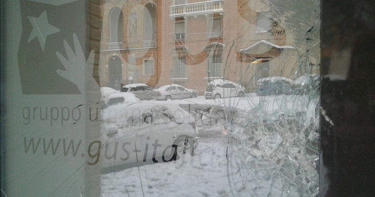 Macerata: attaccata la sede di GUS, organizzazione che lavora coi migranti