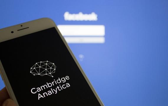 """Cambridge Analytica: ecco come diventiamo """"bersagli"""" dei messaggi politici"""