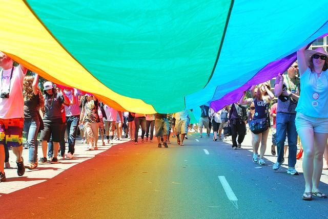 PRIDE: l'Italia marcia con orgoglio in difesa dei diritti LGBTI
