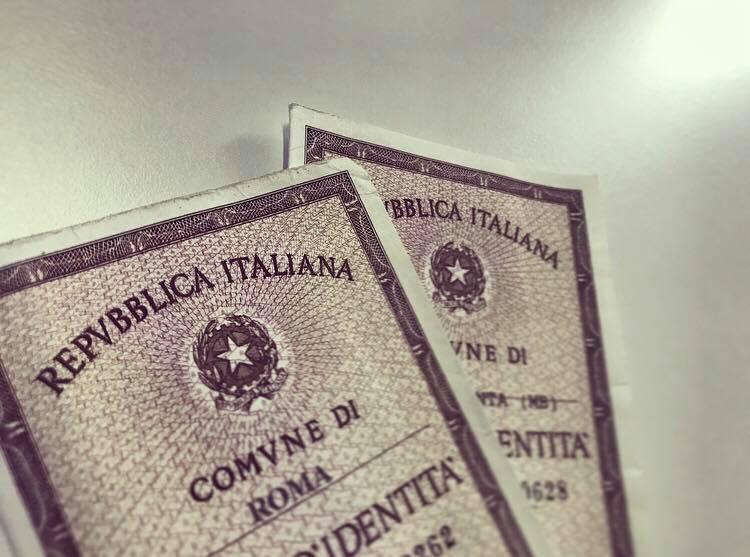 """""""Padre"""" e """"madre"""" nelle carte d'identità: la nostra nota legale all'ANCI"""